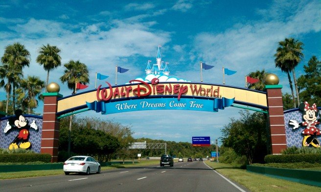 walt_disney_world_resort_entrance