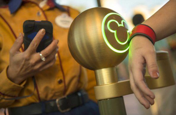Disney-MagicBand-1200x789
