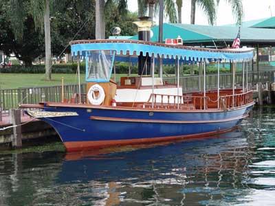 Magic-Kingdom-boat