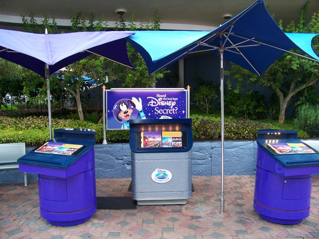 DVC Kiosk in Tomorrowland